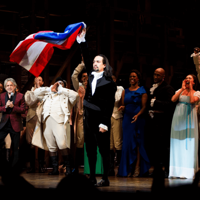 Image of Lin-Manuel Miranda Brings 'Hamilton' to a Troubled but Appreciative Puerto Rico